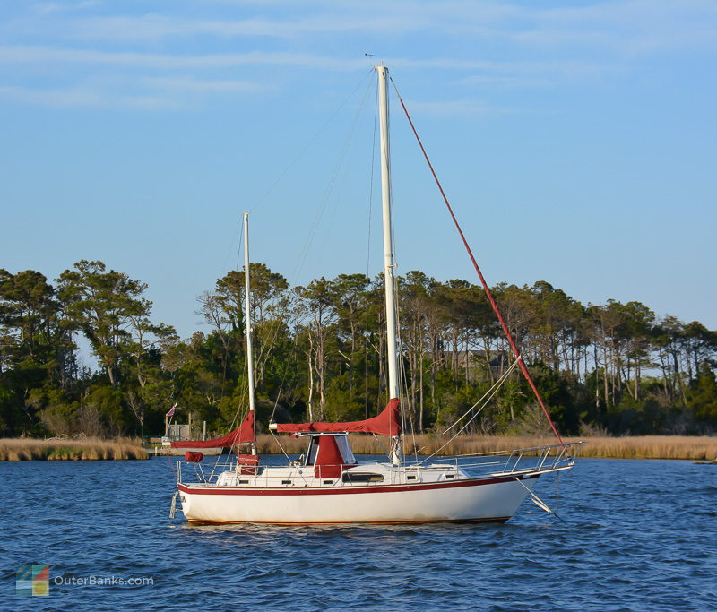 A sailboat anchored in Shallowbag Bay