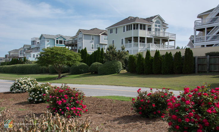 Large homes in Corolla
