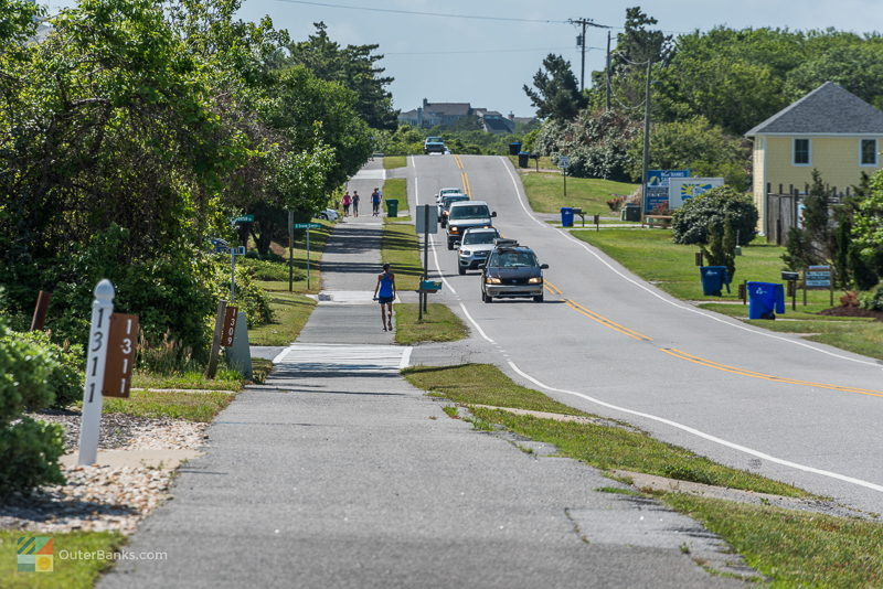 The bike/walking path along NC-12 in Duck