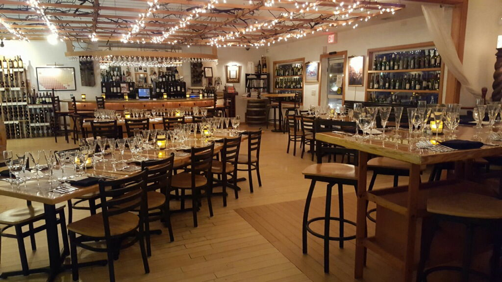 Coastal provisions oyster bar and wine bar cafe for Food bar 527