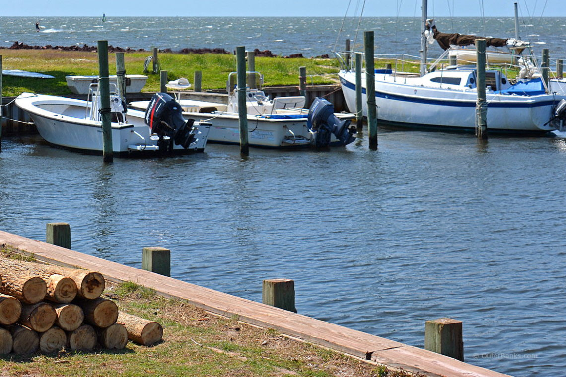 Colington Harbor - OuterBanks.com